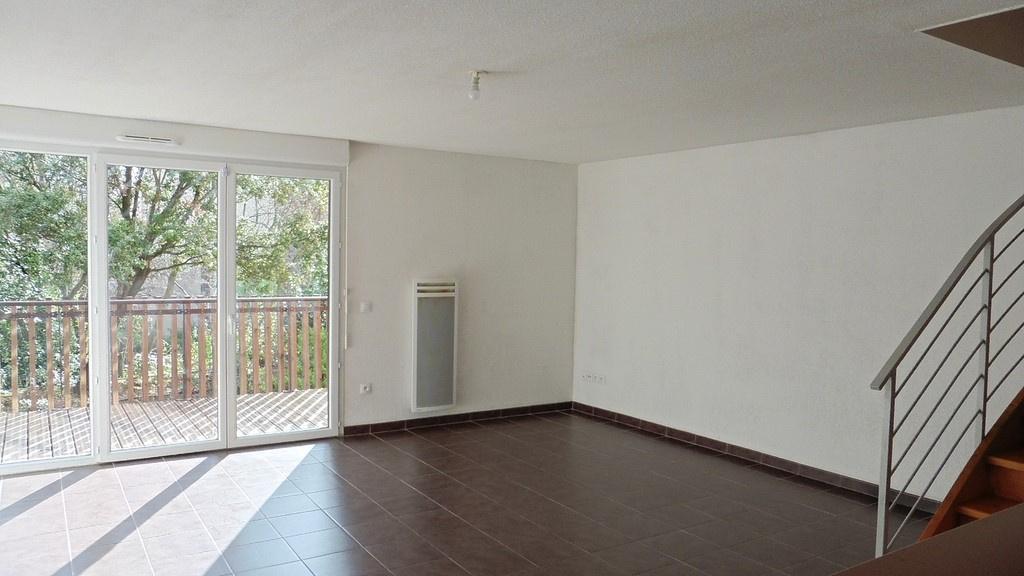Location maison n mes 30000 sur le partenaire for Salon habitat nimes
