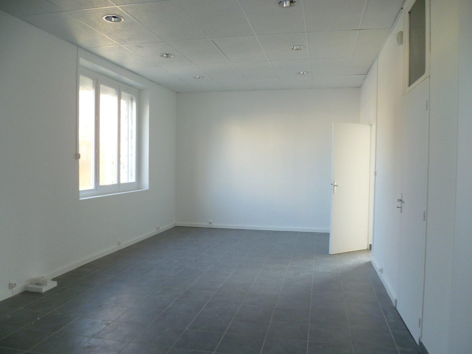 location bagnols sur c ze 30200 immobilier bagnols sur c ze 30200. Black Bedroom Furniture Sets. Home Design Ideas